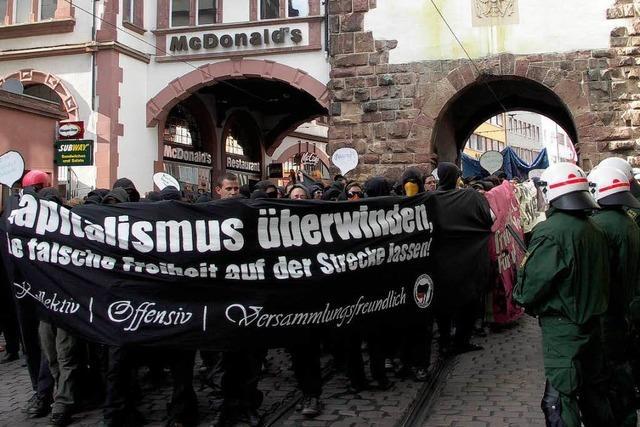 Demonstranten richten Schäden in Freiburg an