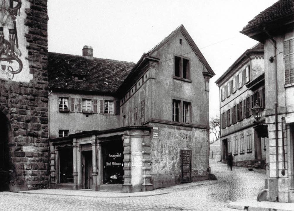 Die Einmündung der Schlossbergstraße i...s Foto unten zeigt den Zustand heute.   | Foto: Archiv Scheck/Schneider