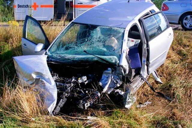Autofahrerin stirbt bei Verkehrsunfall in Hohberg