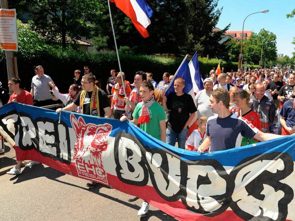 So geht's auch: Die Demo der Fre...shockeyfans am 1. Juni war angemeldet.  | Foto: Rita Eggstein