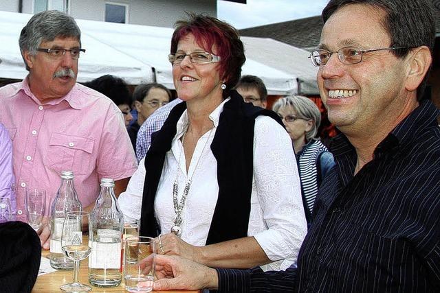 Musik, Wein und gute Laune beim Hoffest