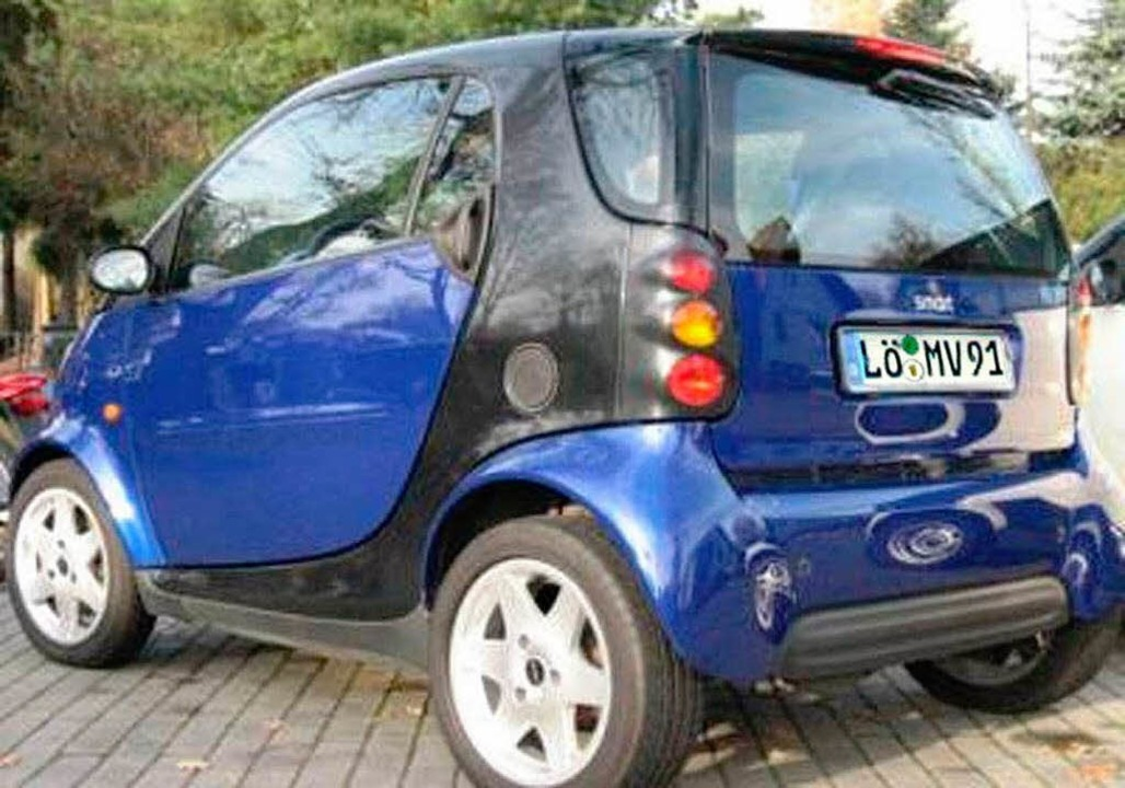 Von  ihrem blauen Smart mit dem Kennzeichen LÖ-MV 91 fehlt noch jede Spur  | Foto: privat