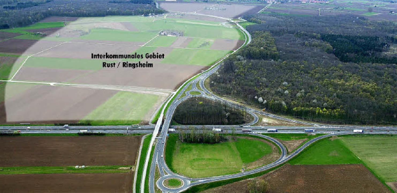 Auf der grau unterlegten Fläche zwisch...izeitbranche weiterentwickeln dürfen.   | Foto: LUFTBILD/FOTOMONTAGE: BERNHARD REIN