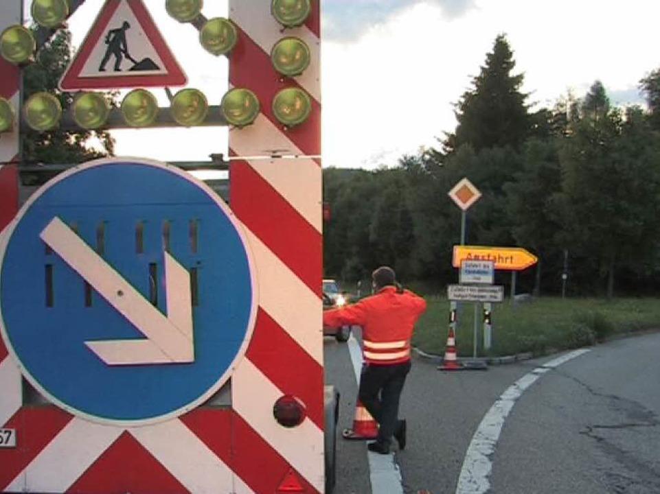 Der Auto-Verkehr wird über Buchenbach – Spirzen und Breitnau umgeleitet.  | Foto: Martin Ganz