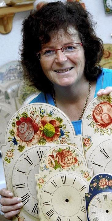 Helga Fallers Lackschilderuhren  | Foto: iris rothe