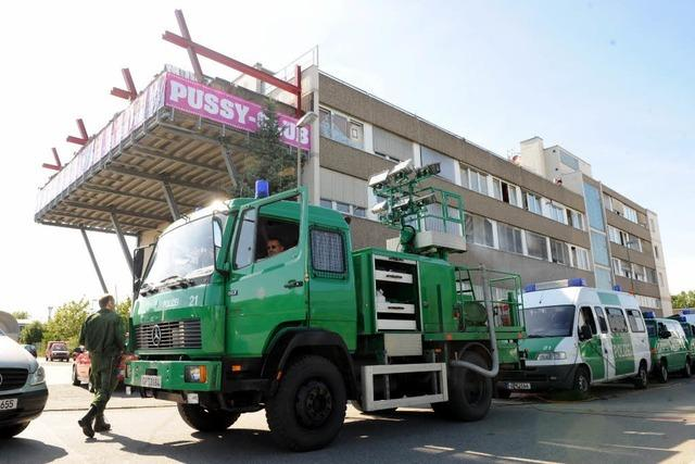 Polizei schließt Flatrat-Bordelle