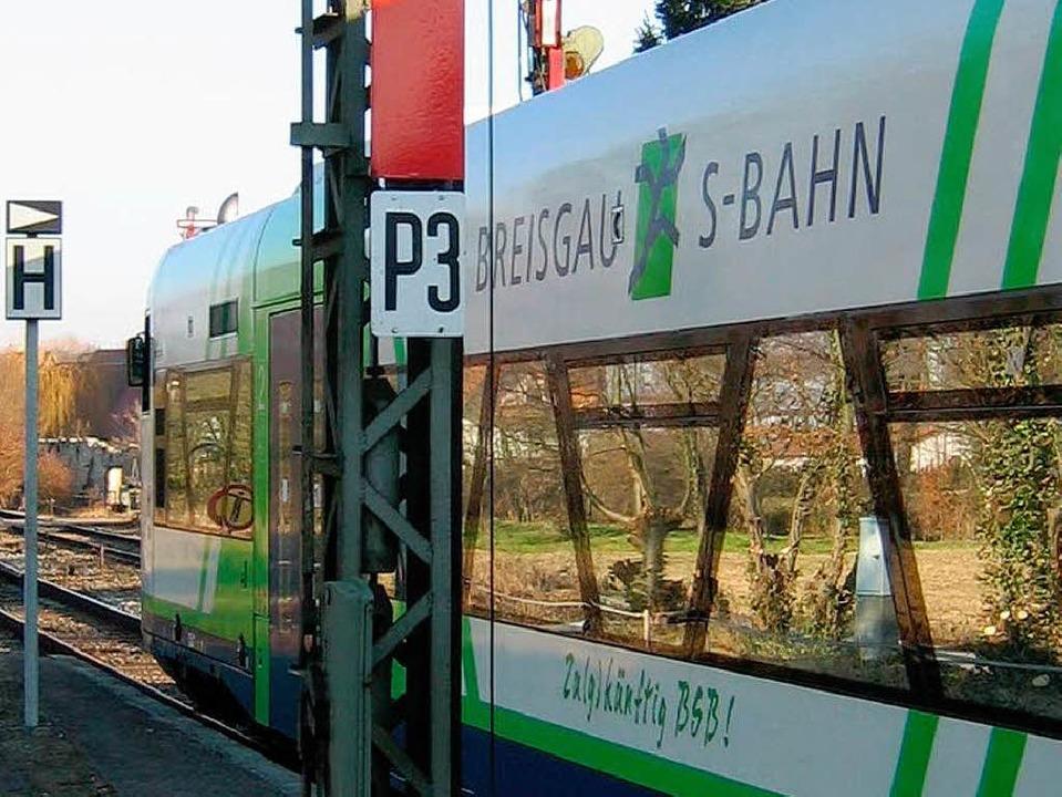 Endstation Gottenheim: Im Berufsverkeh...8.20 Uhr heute auf der S-Bahn nichts .  | Foto: Karlheinz Scherfling
