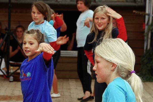 Junge und Junggebliebene turnten in Dachsberg