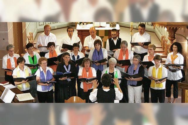 Der Chor singt und lässt mitsingen