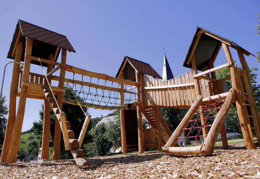 Klettergerüste Aus Holz : Ein großes multigerät aus holz schuttertal badische zeitung