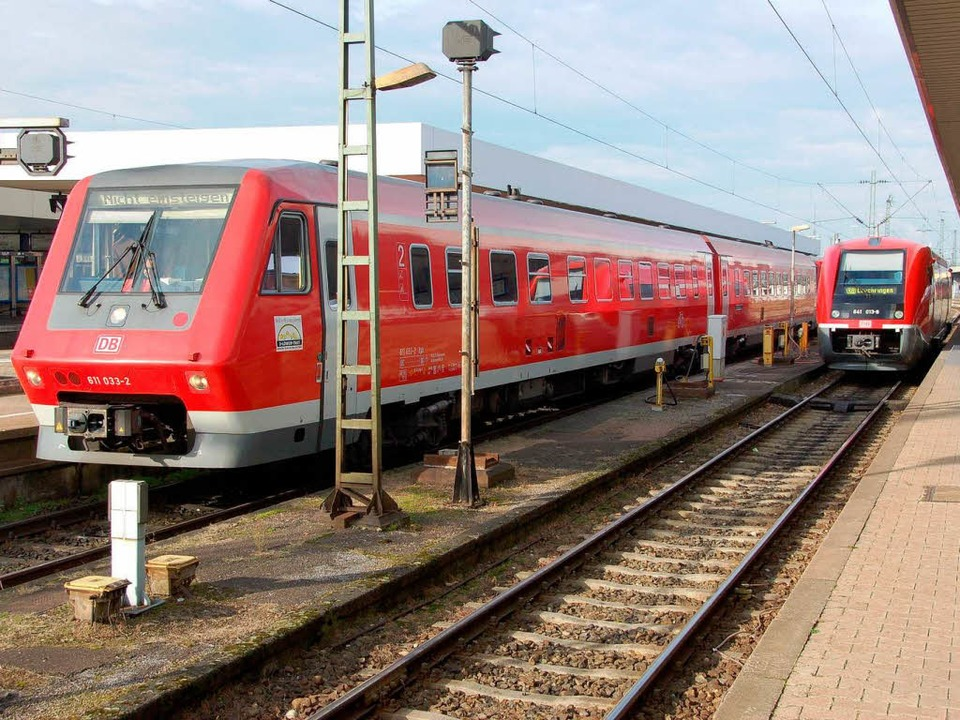 Nahverkehrszüge im Badischen Bahnhof i...n sie nur mit Diesel, nicht mit Strom.  | Foto: Daniel Gramespacher