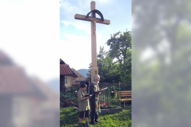 Neues Dorfkreuz in Stutz eingeweiht