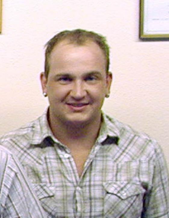 Neu im Ortschaftsrat  ist  Michael All...ch per Handschlag verpflichtet wurde.     Foto: FOTOS: WOLFGANG ADAM