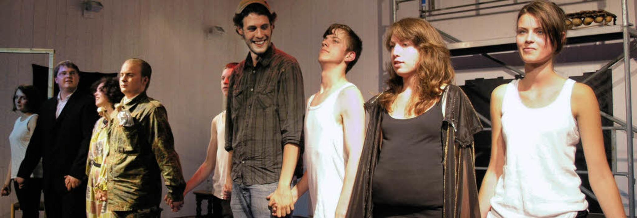 Beim Theater der Waldorfschule führte ...Regie und Spiel eine hohe Aktualität.     Foto: Margrit Matyscak