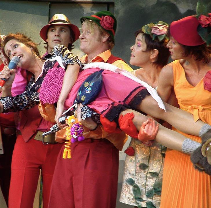 Witzige Komödie mit schräger Schlager-...8220; im Botanischen Garten Brüglingen    Foto: Roswitha Frey