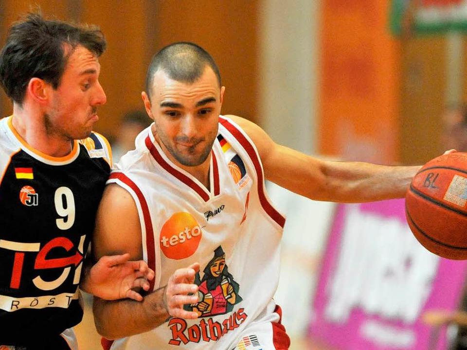 USC-Spieler Marin Petric (rechts) spie...iburgern künftig in der Zweiten Liga.   | Foto: Seeger
