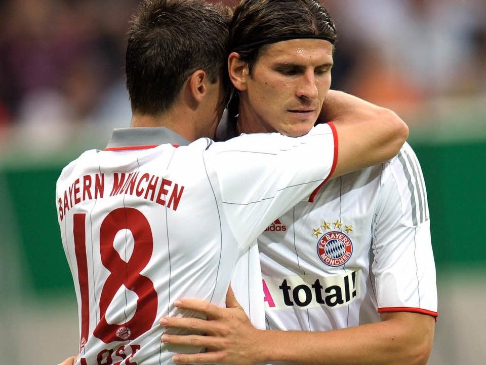 Bayerns-Sturmduo Klose und Gomez spiel...rde nicht in Deutschland geboren. Wer?  | Foto: dpa