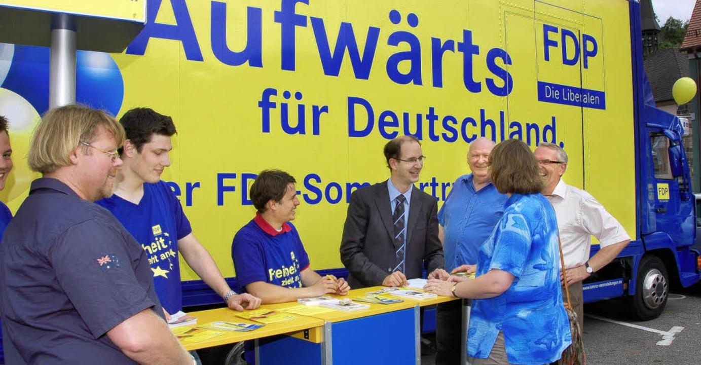 Auf dem Weg von Pforzheim nach Konstan...eregt mit Bürgern und FDP-Mitgliedern.  | Foto: gerold zink