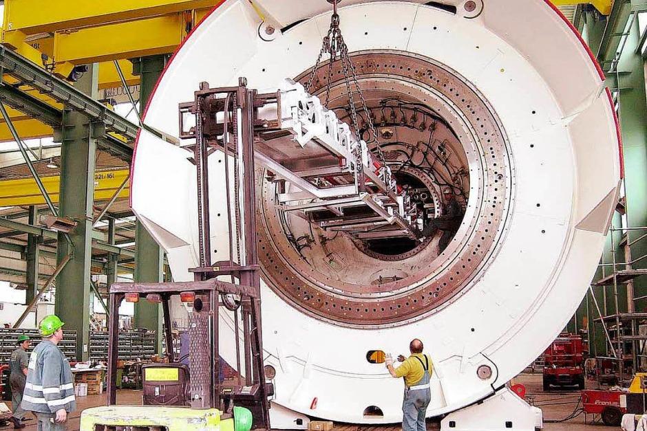 2002: Die Tunnelbohrmaschine  wird montiert (Foto: Wolfgang Künstle)