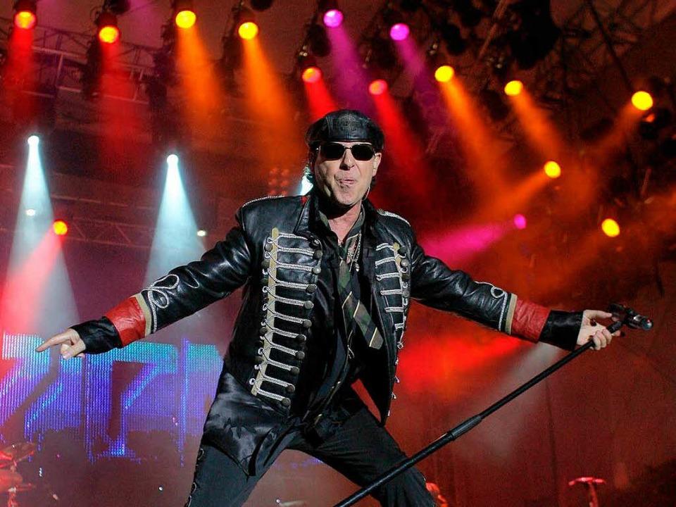 Sänger Klaus Meine und die Scorpions wissen, was ihr Publikum will (Archivbild).  | Foto: dpa