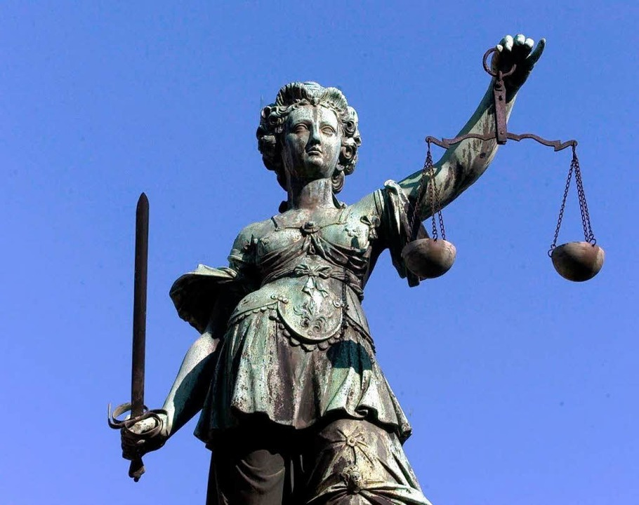 Nato-Gegner mussten sich vor Gerichten in Colmar und Freiburg verantworten.  | Foto: Katja Lenz