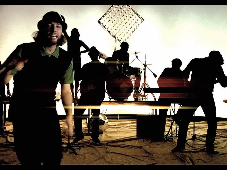 Sandro di Lorenzo (l.) ist der Chef-Rapper bei RockRainer.  | Foto: Promo