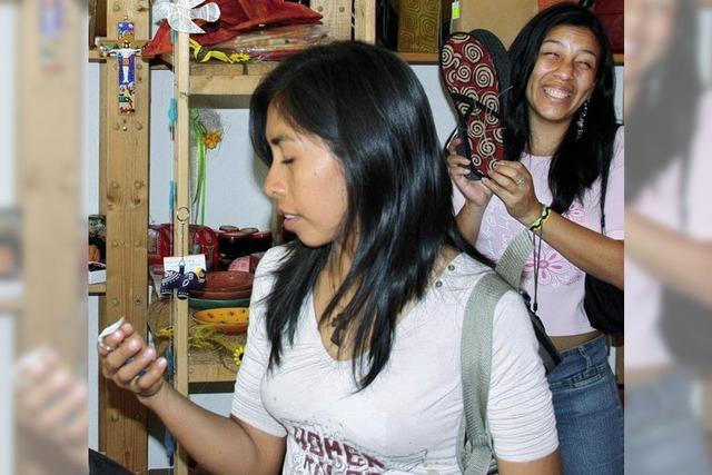 Junge Peruaner besuchen Wehr