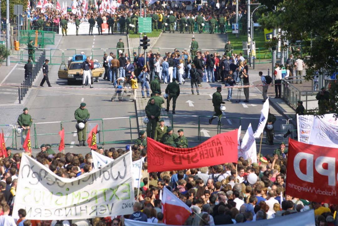 In Freiburg ist die antifaschistische .... Die Partei musste den Umzug absagen.  | Foto: Rita Weber-Eggstein