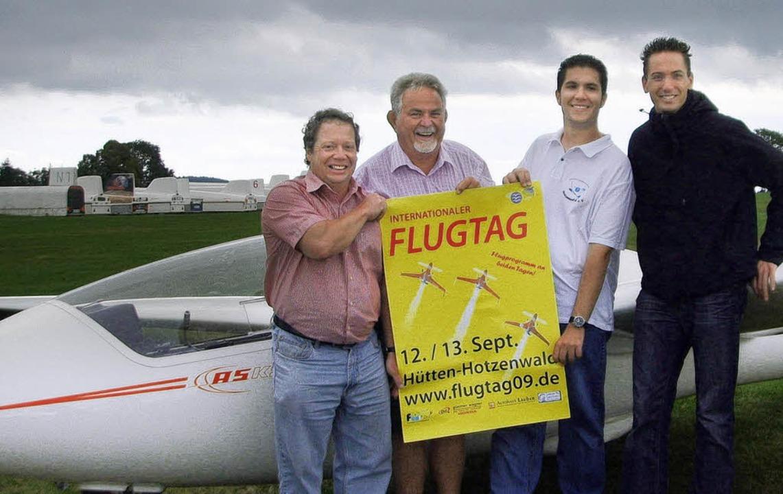 Ingo Dannenberger, Detlef Barth, Denni...ttag in Hütten auf die Beine gestellt.  | Foto: christin Keller