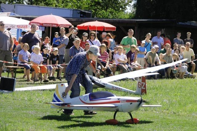 Modellflugschau vor 800 Zuschauern