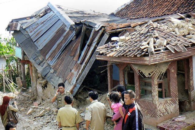 Heftiges Beben in Indonesien