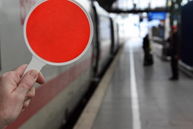 Bahn: Stillstand auf der Rheintalschiene