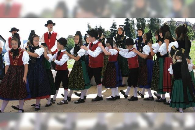 Traditionelle Tänze im Kurpark