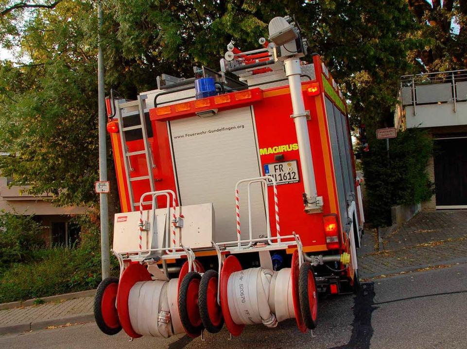 Die Feuerwehr-Zufahrt bei den  Terrass...n versperren die  Ein- und Durchfahrt.  | Foto: Andrea Steinhart