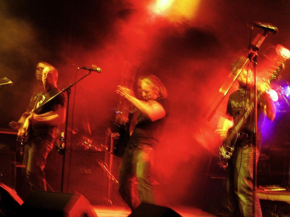 "Der Headliner ""Fear my Thoughts&...bei  Rock am Bach in Kirchzarten  an.   | Foto: Joahnna Gregetz"