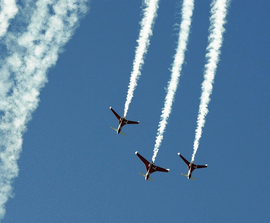 Formationsflüge zeigt die Patrouille Reva.   | Foto: LGH