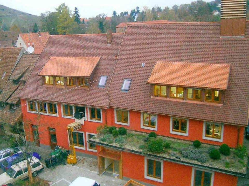 Muss vermutlich wegen der enormen Schä...es Rathausgebäude mit dem Stadtbauamt.  | Foto: Stadt Staufen