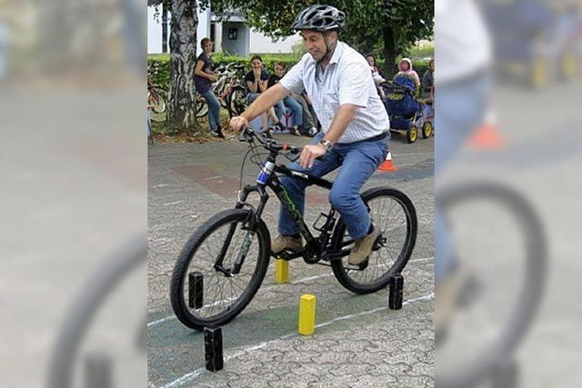 Gekonnt durch den Fahrrad-Parcours