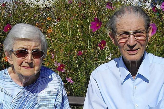 Ein sportliches Paar feiert seinen 60. Hochzeitstag