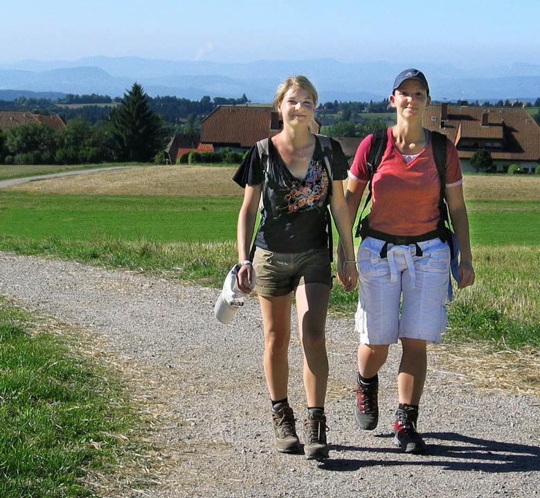 Ramona und Kristin auf dem Weg von Höchenschwand nach Rothaus.  | Foto: Eva Weise