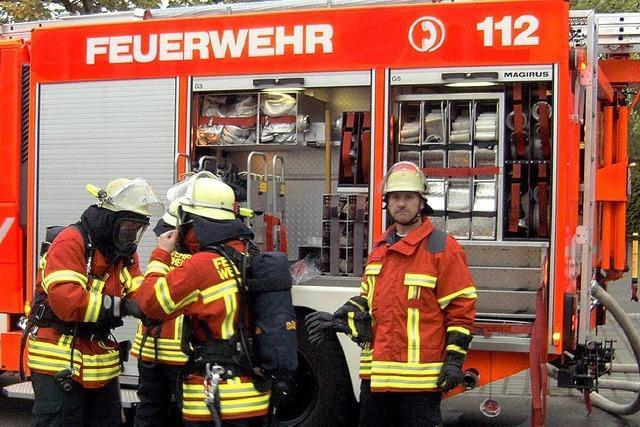 Feuerwehrübung im Brandhaus – realistischer geht es kaum