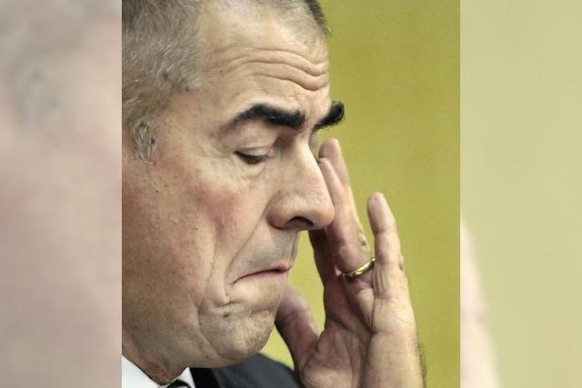 Der Diktator gibt den Saubermann