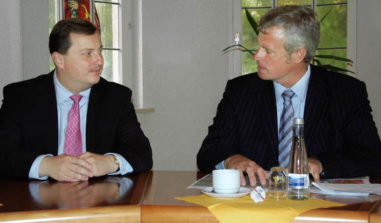 Zu einem Gedankenaustausch mit  Breisa...dat Daniel Sander in die Münsterstadt.  | Foto: kai kricheldorff