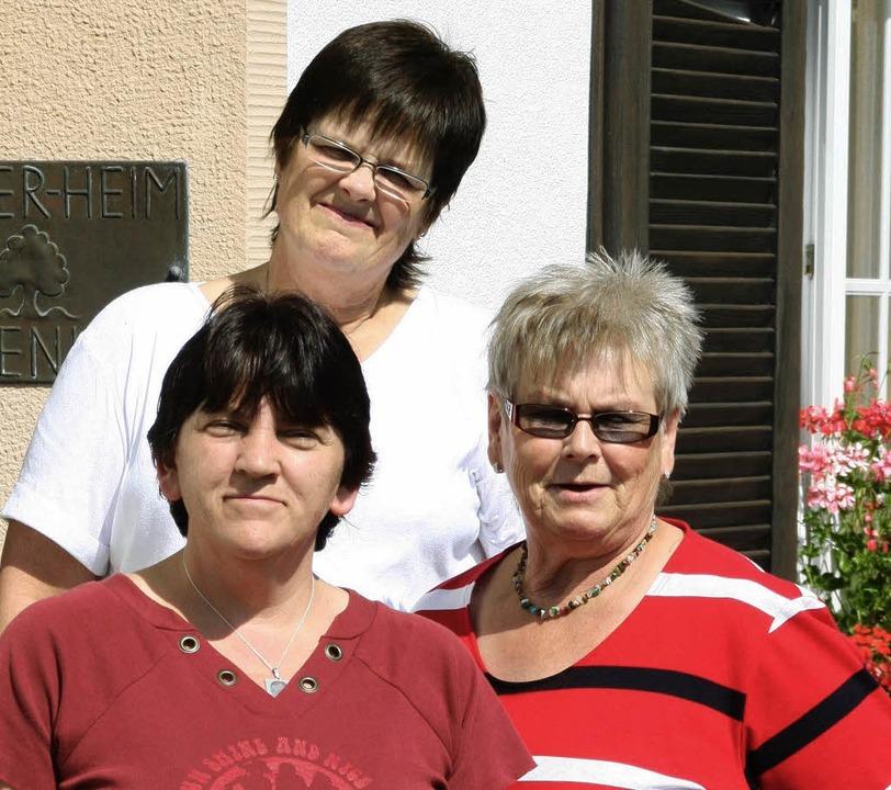 <Bildtext>Die Leiterin des Ferienheims...Carmen Streicher (hinten). </Bildtext>  | Foto: Roswitha Klaiber