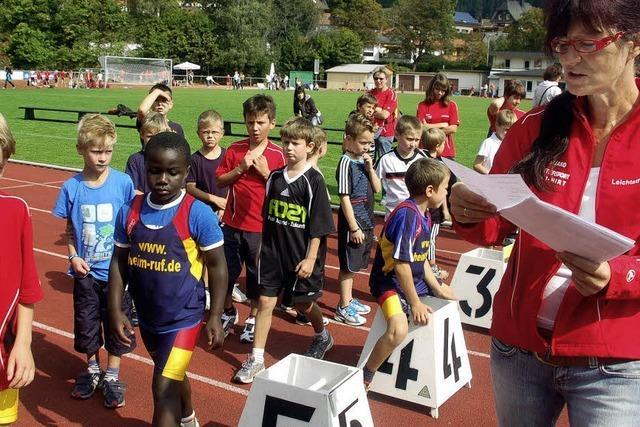 Junge Leichtathleten beschwingt auf Rekordkurs