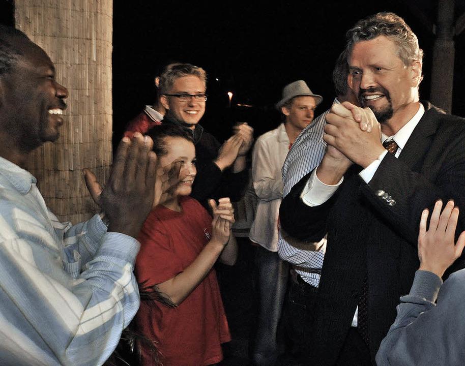 Erleichterung: Gernot Erler erfährt, d...mandat im Wahlkreis 281 errungen hat.   | Foto: Michael Bamberger