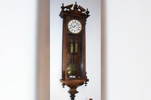 Eine alte Uhr gibt viele Rätsel auf