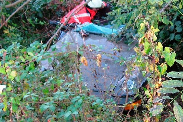 Dämmstoffballen verursacht Unfall auf der Autobahn bei Offenburg