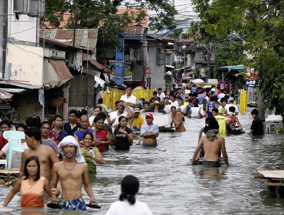 Zehntausende Philippinos verloren Hab und Gut.  | Foto: DPA