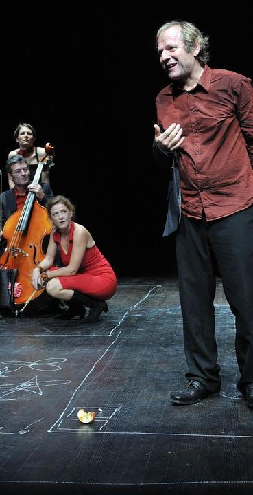 Krishan Krone (vorne), Margrit Rieben,...ael Pfeuti, Franziska  von Fischer.     | Foto: Kaserne Basel